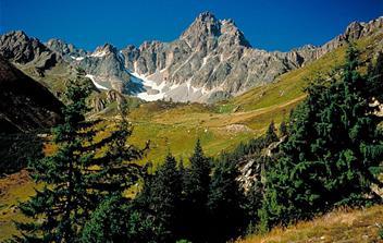 Alpy, střediska rakousko-švycarského pomezí